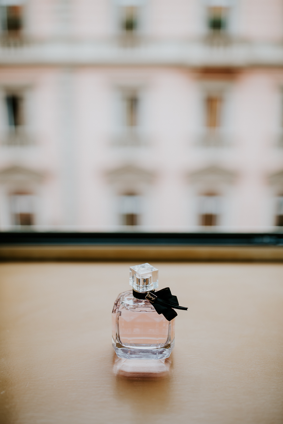 hochzeit-in-rom-detail-parfum-360
